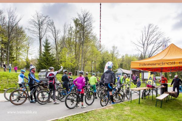 Bike a Roll  29 5 21 IC 073