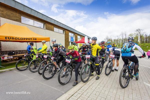 Bike a Roll  29 5 21 IC 077