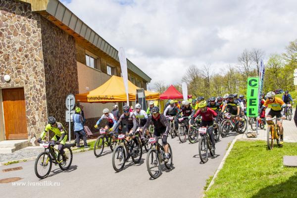 Bike a Roll  29 5 21 IC 092