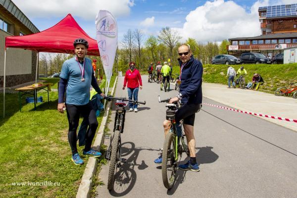 Bike a Roll  29 5 21 IC 256